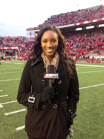Maria Taylor on the sidelines. (Photo credit: Alexis Morgan)