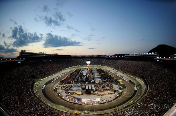 Photo of NASCAR race airing on alternate channels in seven markets on Saturday night