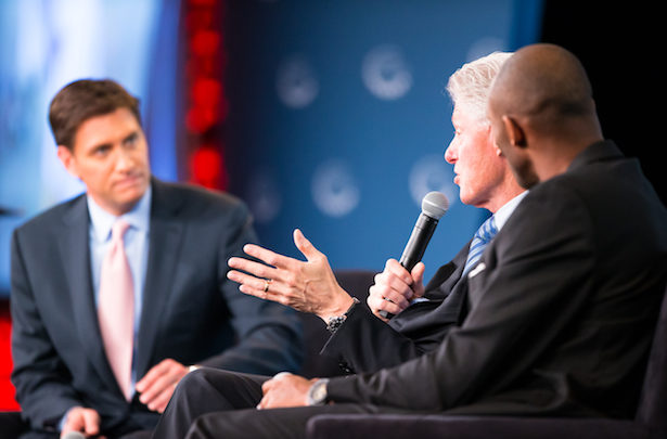 Photo of President Clinton, Kobe Bryant Headline Town Hall Discussion on Kids and Sports