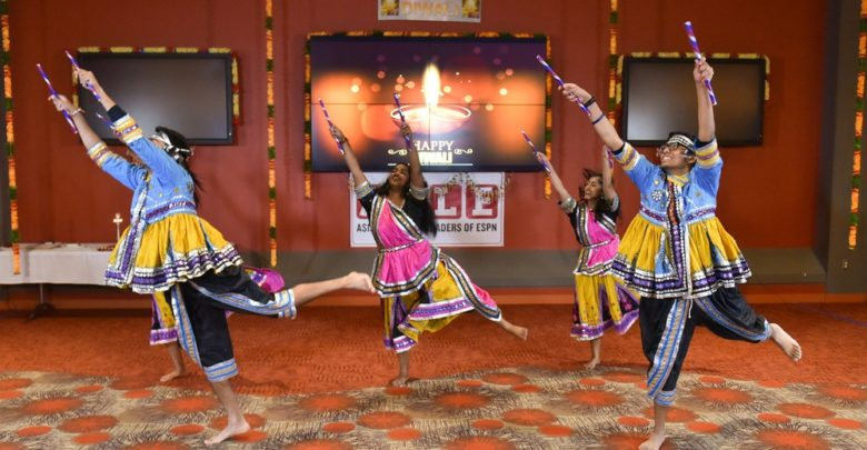 Photo of ESPN celebrates Diwali; Negandhi to attend White House celebration
