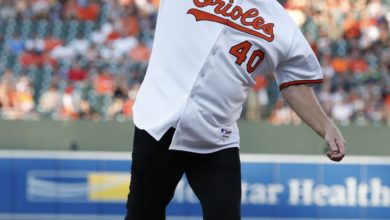 Photo of Deja vu: Sutcliffe throws out first pitch at Camden Yards